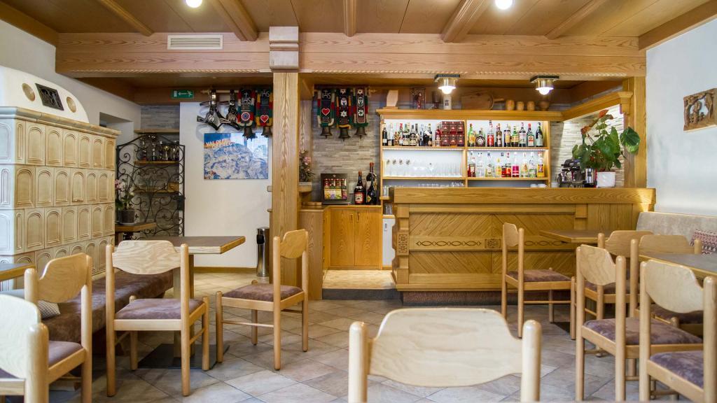 Bar-Hotel-Genzianella-Ziano-di-Fiemme-Trentino- 3