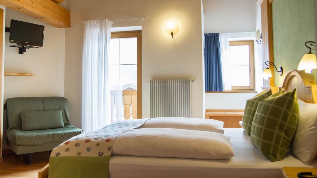 Camera-Romantic-Hotel-Genzianella-Ziano-di-Fiemme-Trentino- 45