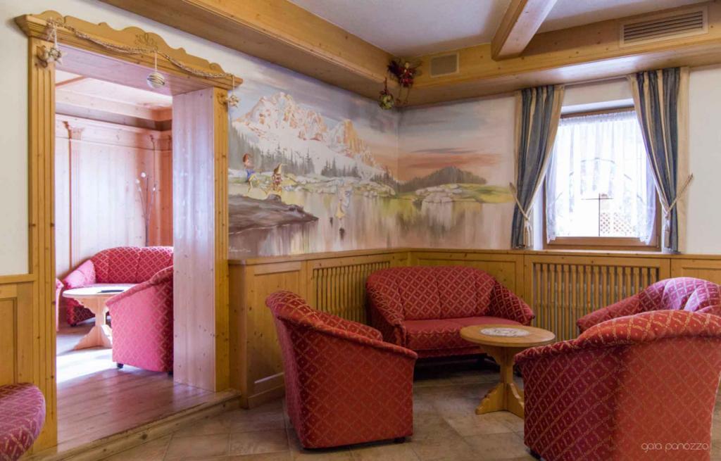 Hall Hotel Genzianella in Val di Fiemme in Trentino
