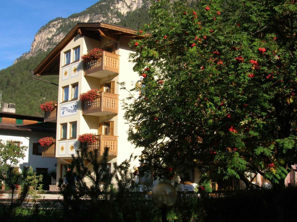 Parkplatz Hotel Genzianella Val di Fiemme Trentino