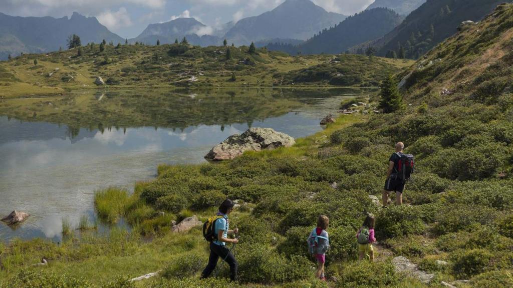 Val di Fiemme 13734 lago delle Buse-001