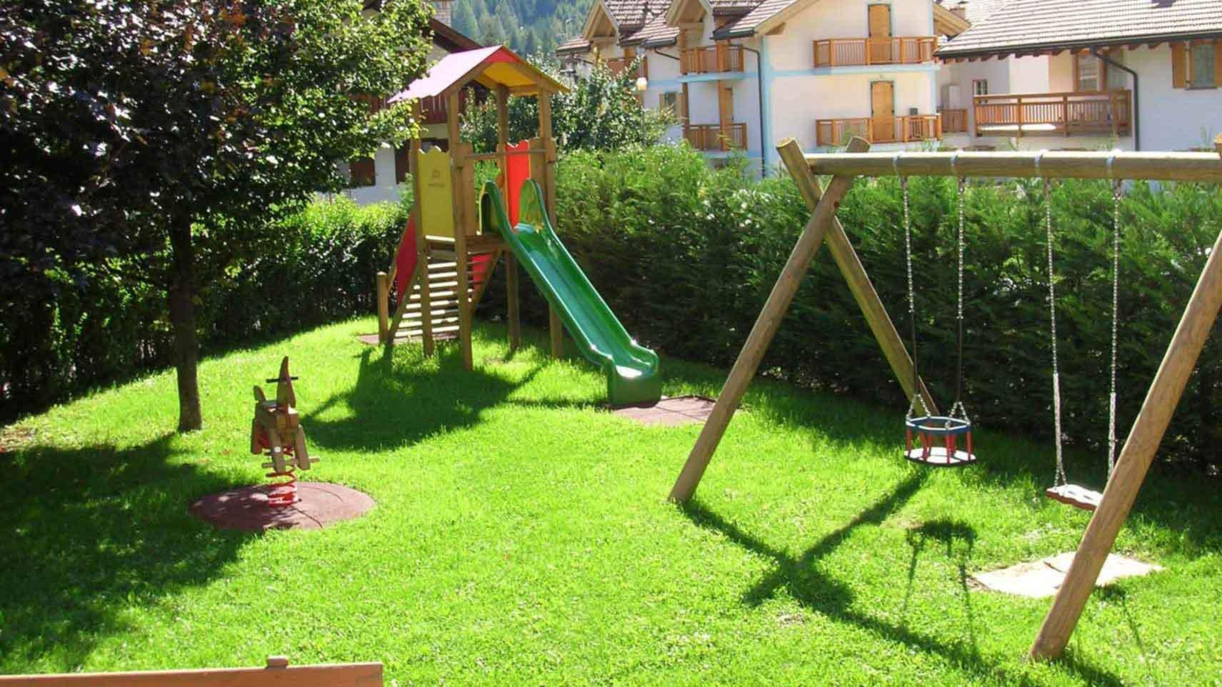 parco giochi hotel genzianella vacanza family Trentino