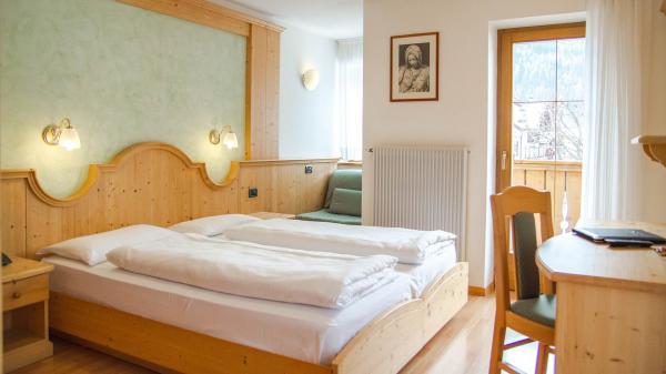 Camera-comfort-Hotel-Genzianella-Ziano-di-Fiemme-Trentino- 18