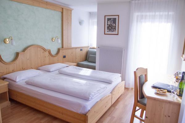 Camera doppia benvenuti Hotel Genzianella Ziano di Fiemme Val di Fiemme