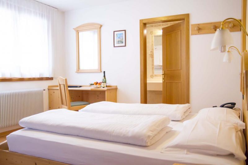 Camera giorno interni Hotel Genzianella Predazzo Val di Fiemme Trentino